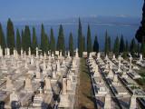 Milazzo: Interventi di pulizia al cimitero e regolamentazione orari