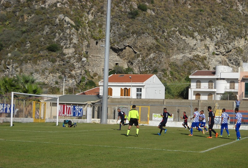 Raveduto (Milazzo), rigore per il 2-3